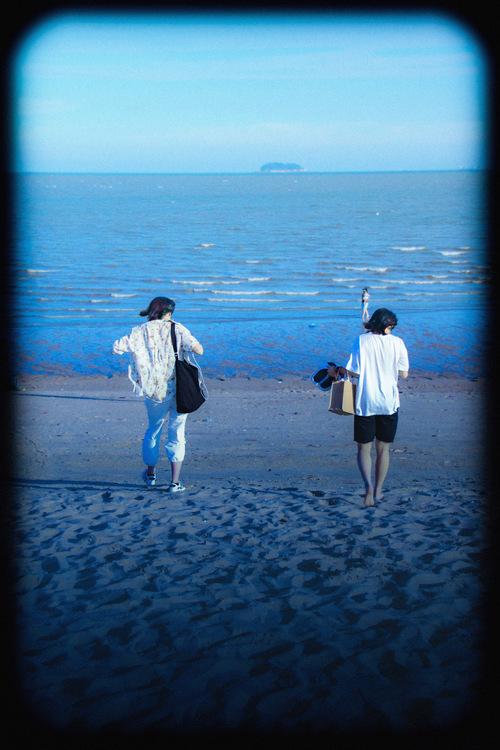 奔向大海。